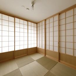 塩梅-実現できる?50平米のコンパクトな家で家族それぞれのマイスペース (和室兼寝室)
