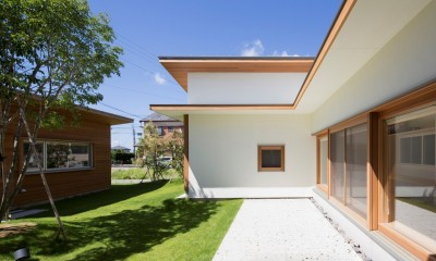 拾石の家/職住一体の暮らし おおらかなコートハウス