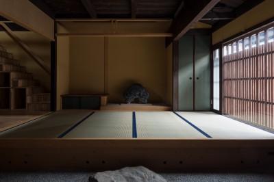 玄関/元々なかった床の間を新たに設けています (学林町の町家/耐震・断熱改修も行った京町家のリノベーション)