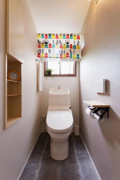 トイレ (N様邸_兄弟の元気な声が響く日々)