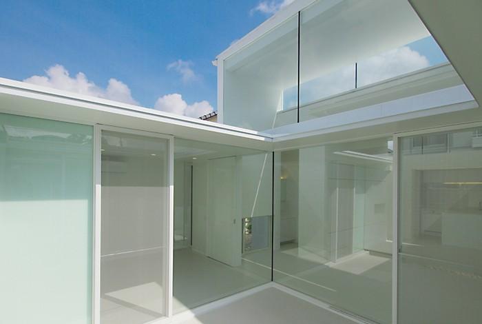 高窓のコートハウス (中庭)