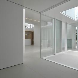 高窓のコートハウス (寝室)