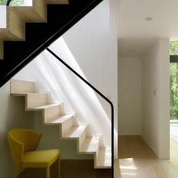 064御代田Nさんの家 (玄関ホール・階段)