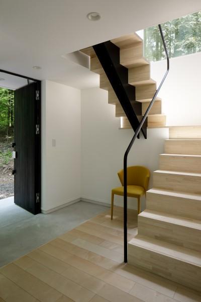 玄関ホール・階段 (064御代田Nさんの家)