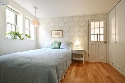 細部までこだわった癒しのベッドルーム (北欧ヴィンテージ インテリアを愉しむ住まい)