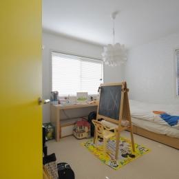 NK邸 / 二世帯住宅へのリノベーション (子供部屋)