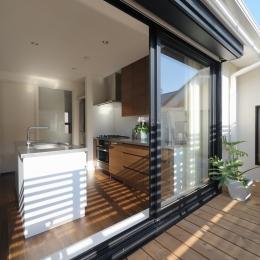 NK邸 / 二世帯住宅へのリノベーション (ベランダ)