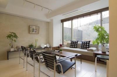 ミーティングスペース (ガーデンテラスのあるオフィス〜新築マンションリノベーション)