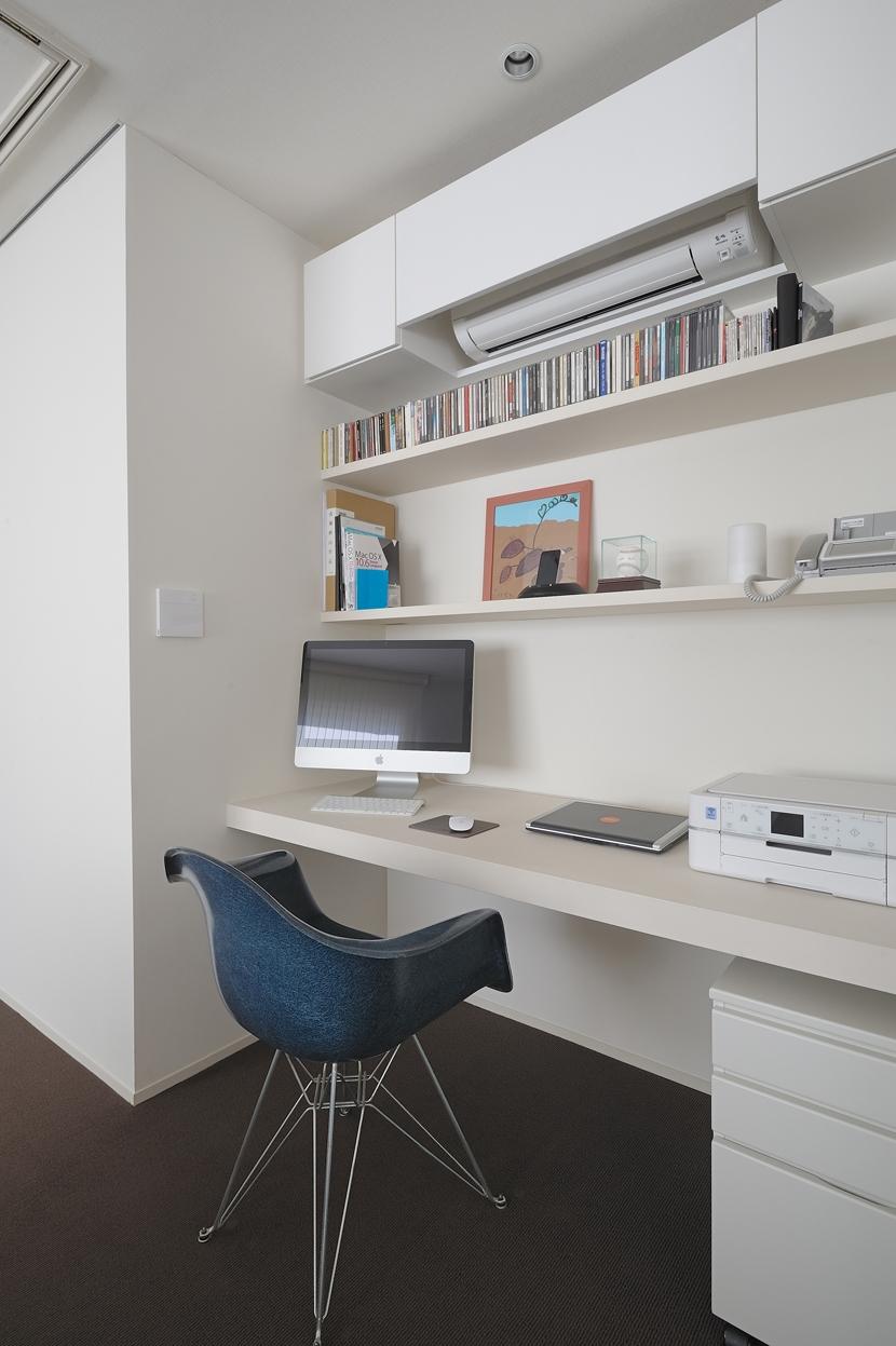 NK邸 / 二世帯住宅へのリノベーションの部屋 書斎コーナー