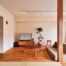 横浜市N様邸 ~みんな、いっしょ~ (小上がりから広がるゆったり空間)