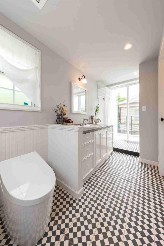花と過ごす都会の家~賃貸併用二世帯住宅 (洗面トイレ)