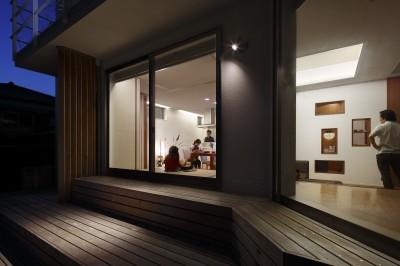 夕景 (仕事場のある家|あなたの場所・自分の居場所を創る|キッチンとの関係性を良好に家事コーナーのコミュニティ)