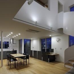 仕事場のある住まい|あなたの場所・自分の居場所づくり|個室と家族空間の結び目 ミニマムなワークコーナー