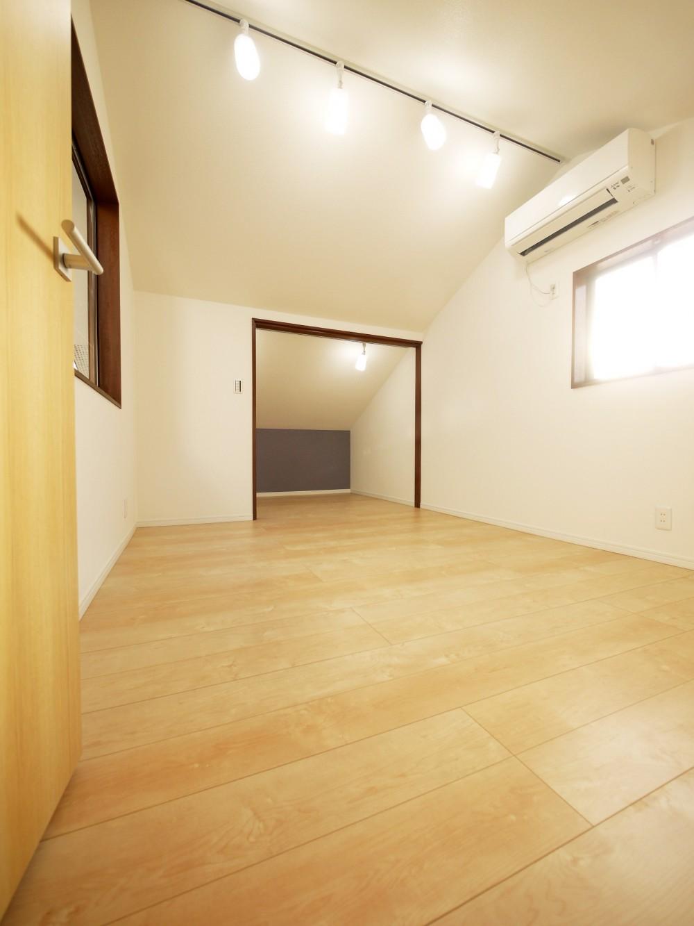 戸建の和室をオープンな空間に (小屋裏・洋室1)