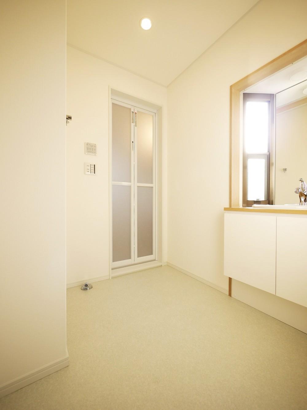 戸建の和室をオープンな空間に (洗面室)