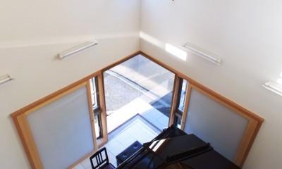 仕事場のある住まい|あなたの場所・自分の居場所を創る|リビングと音楽室を結ぶ ワークスペース (街角の音楽室)