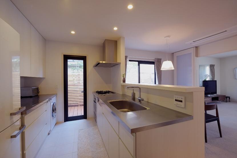 NK邸 / 二世帯住宅へのリノベーションの部屋 キッチン