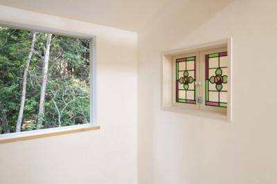 子供部屋5 (木と土の家)
