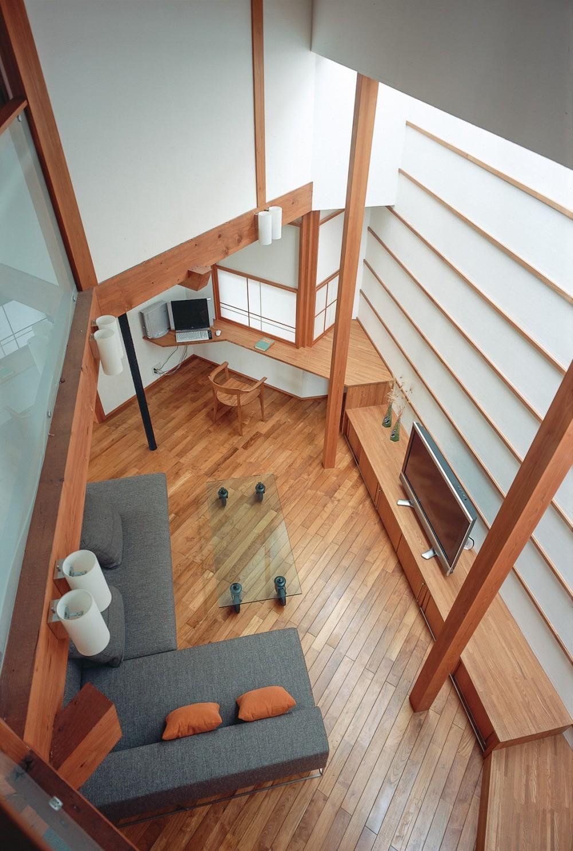 仕事場のある住まい|あなたの場所・自分の居場所を創る|リビングコーナーながら 専用の坪庭を持つスタディスペース (仕事場と家族空間の関係)