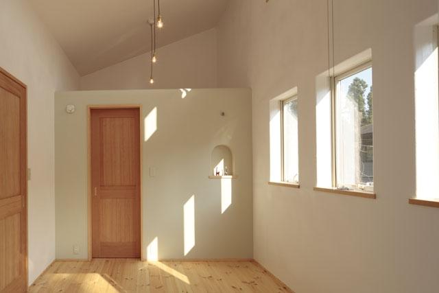 木と土の家の部屋 寝室2