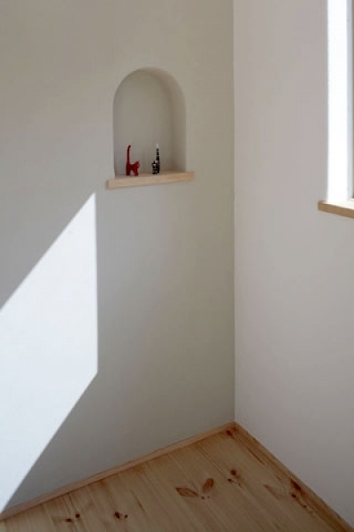 寝室3 (木と土の家)