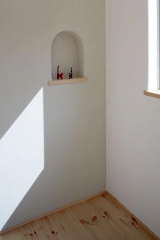 木と土の家の部屋 寝室3