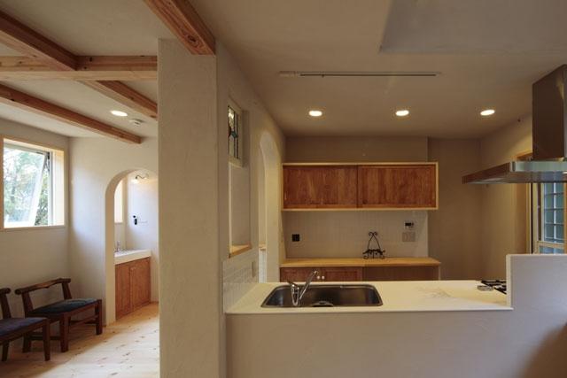 木と土の家の部屋 LDK2