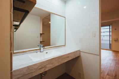洗面スペース (シンプルで良質な暮らし)