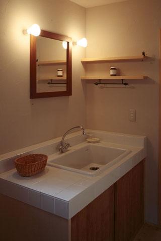 木と土の家の部屋 洗面脱衣室2