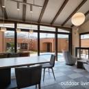 アウトドアリビングでおもてなしをする家#京都亀岡市の別荘の写真 アウトドアリビングを見渡す