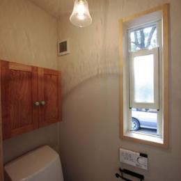 木と土の家 (トイレ)