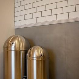 「贅沢に無垢材を使用した、人々が集まる温かい家。」 (real tile)