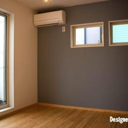 「贅沢に無垢材を使用した、人々が集まる温かい家。」 (2F Room3)