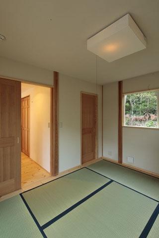 木と土の家の部屋 和室