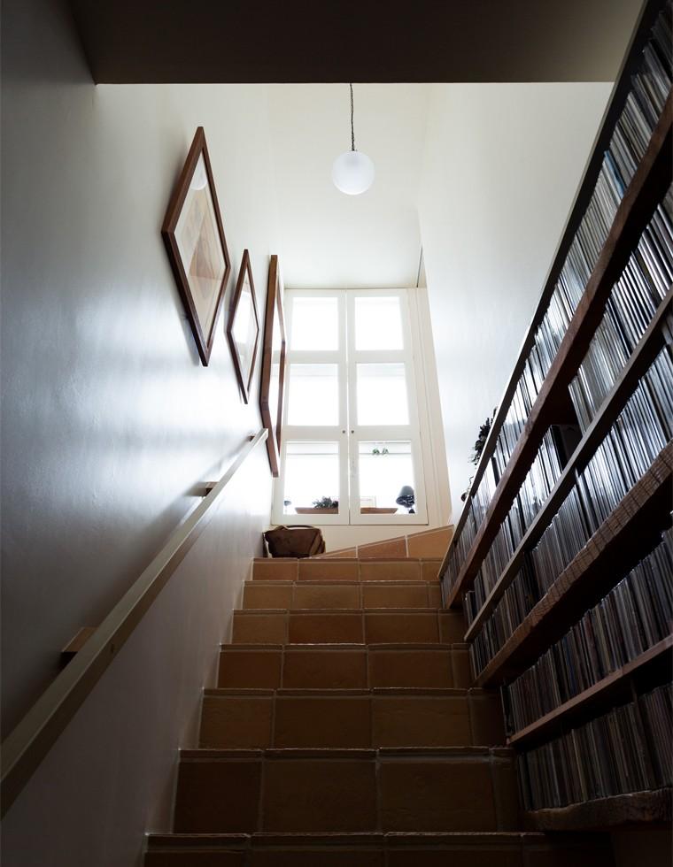 弦巻の家 (弦巻の家 階段)