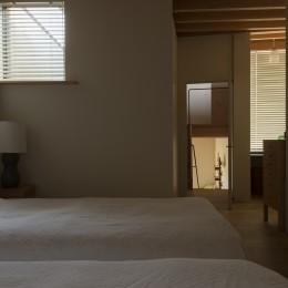 岡本の家 (岡本の家 寝室)