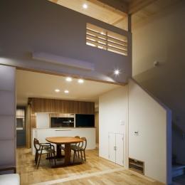 ヒカハウス~大きな片流れの屋根とおしゃれなカーポート~ (リビングダイニングキッチン)