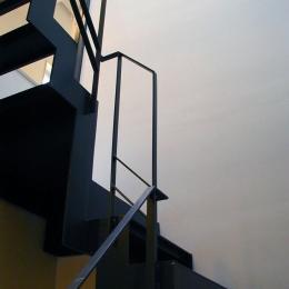 古川ビル / オーナー住戸付き事務所ビル (共用階段)