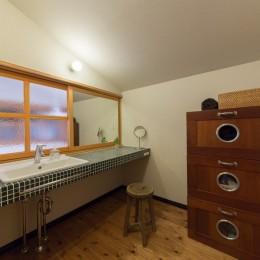 House Ookimati-タイル貼り洗面台