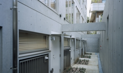 D-FLAT / オーナー住戸付き集合住宅 (地下外観)