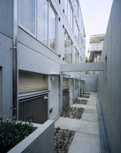 地下外観 (D-FLAT / オーナー住戸付き集合住宅)