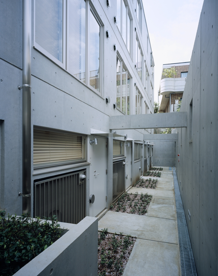 D-FLAT / オーナー住戸付き集合住宅の写真 地下外観