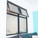 レトロポップの写真 室内窓