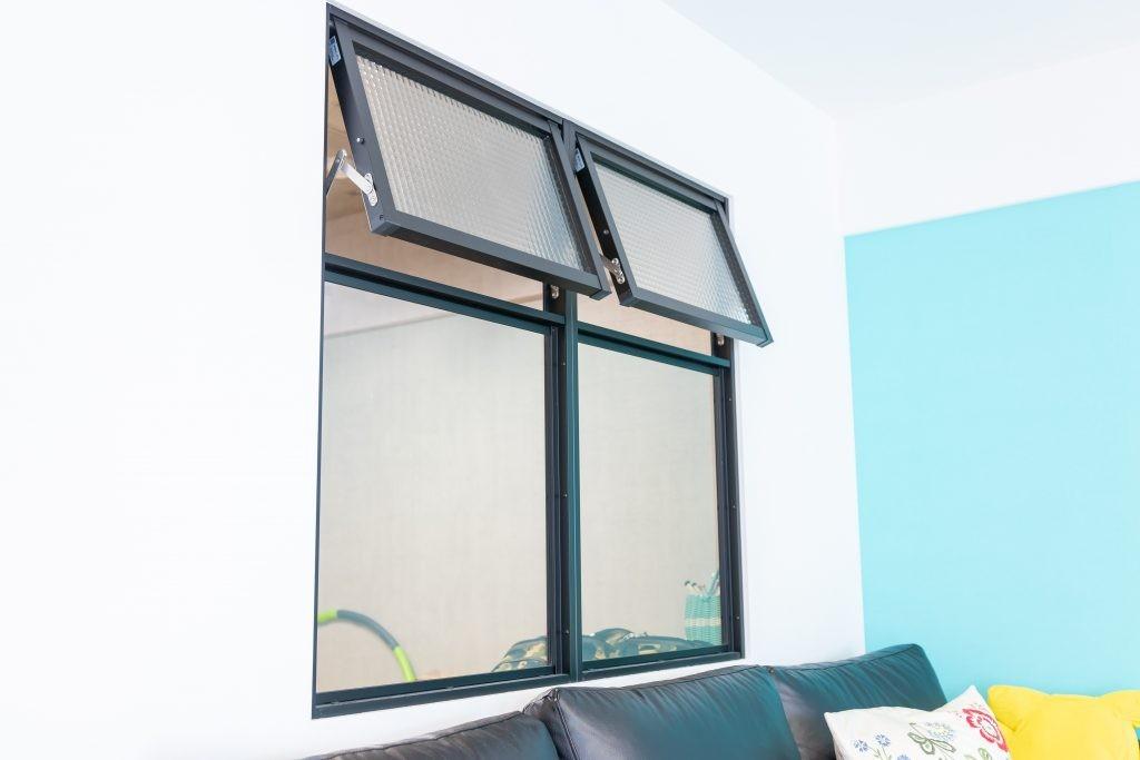 リビングダイニング事例:室内窓(レトロポップ)