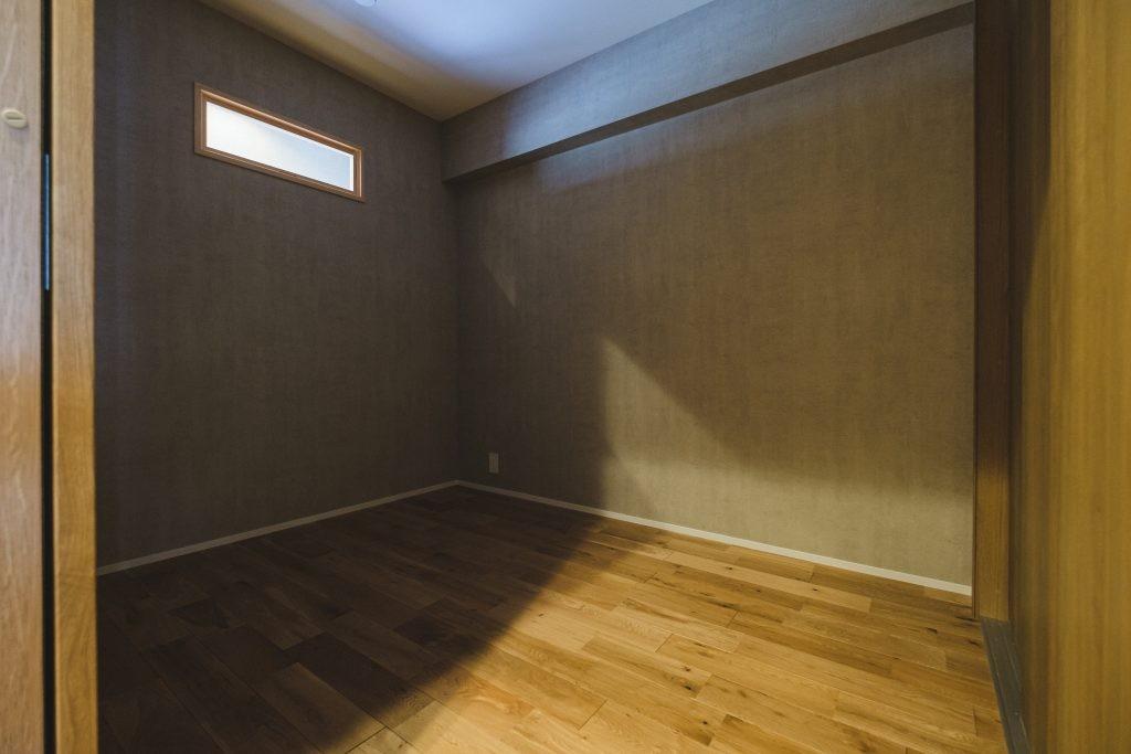 ベッドルーム事例:寝室(グレイッシュにまとめた上品で上質な空間)