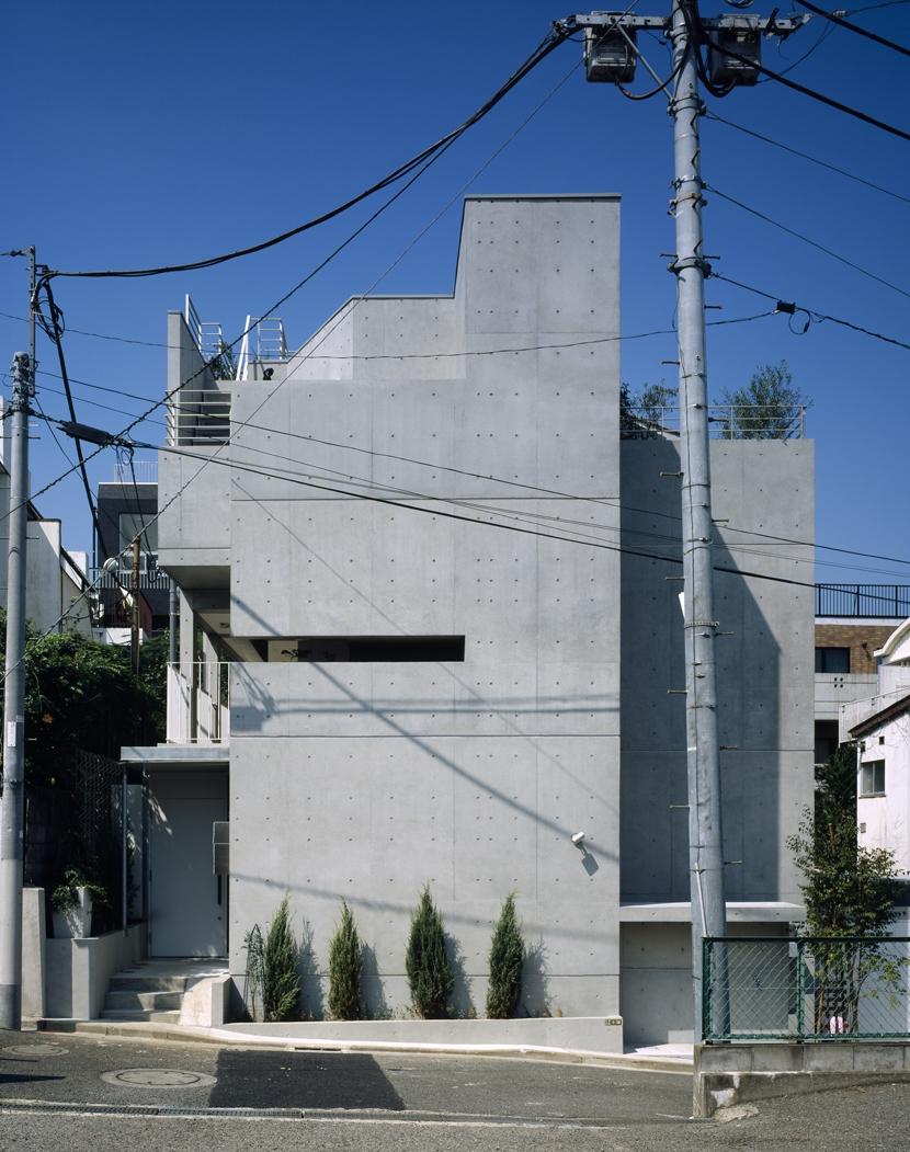D-FLAT / オーナー住戸付き集合住宅 (正面外観見上げ)