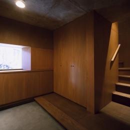 K-Villa / 北軽井沢の別荘 (玄関)