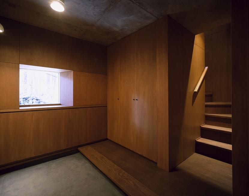 K-Villa / 北軽井沢の別荘の部屋 玄関