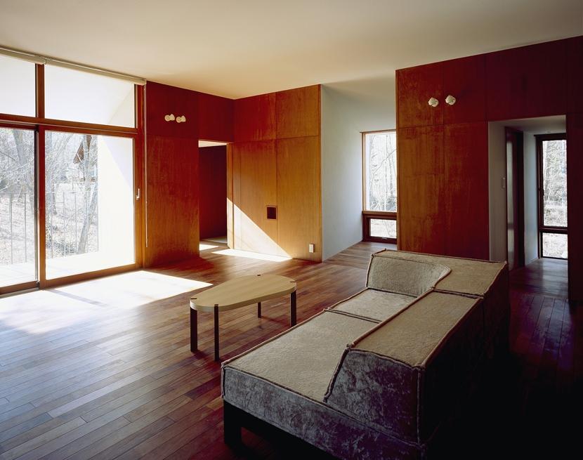 K-Villa / 北軽井沢の別荘の部屋 リビング、テラス、趣味のスペース
