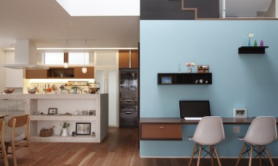 仕事場のある住まい|あなたの場所・自分の居場所を創る|みずみずしいブルーが印象的なWorking Space (みずみずしいブルーが印象的な Working Space)